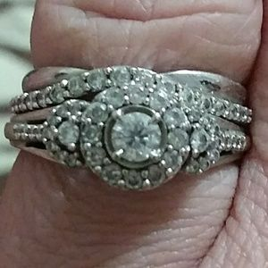 14 k white gold real diamond